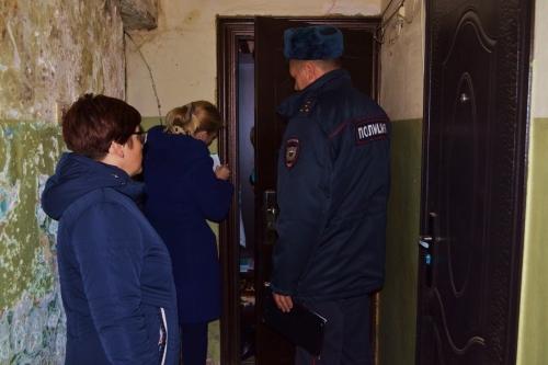 Троицкие правоохранители проверили детей и родителей: как живут, умеют ли воспитывать