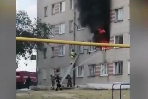 Спасли от рокового прыжка. Троицкие пожарные вовремя пришли на помощь жильцам пятиэтажки на улице Гагарина